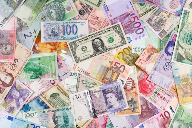 Geld umtauschen: Vor dem Urlaub oder am Urlaubsort?