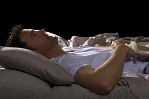 Schlafstörungen – Diese Ursachen und Behandlungsmöglichkeiten sollten Sie kennen