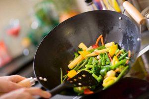 Zubereitung im Wok – mit diesen Tipps und Tricks klappt's