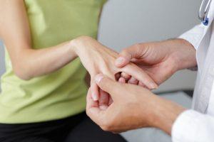 So behandeln Sie Ihr Rheuma