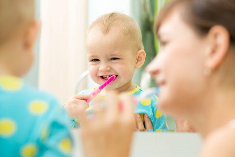 Ab wann sollten Kinder Zähne putzen?