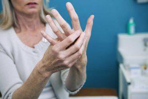 Warum Rheumatiker nicht rauchen sollten