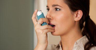 Asthma-Attacke bei der Arbeit – Was tun?