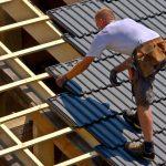 Schutz vor UV-Strahlung: Was Sie beim Arbeiten in praller Sonne beachten sollten