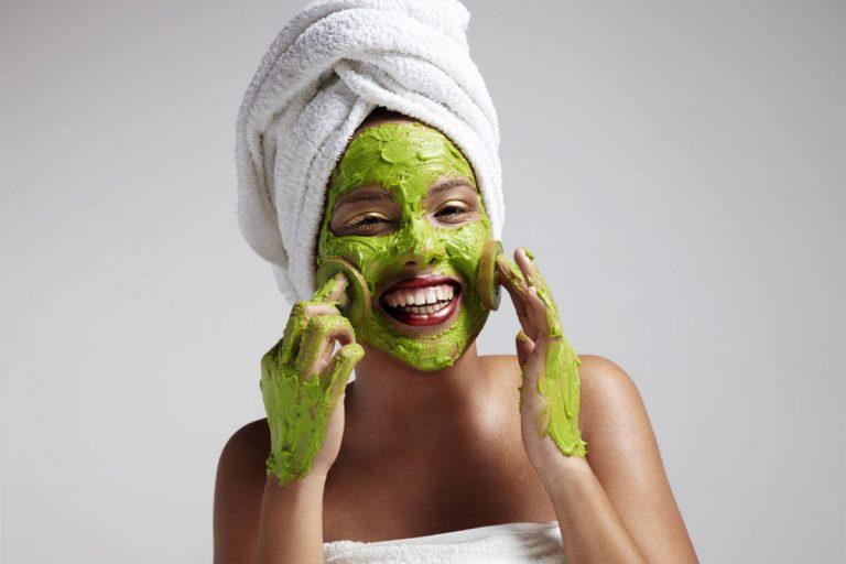 Erfrischende Gesichtsmasken für den Sommer schnell selbst hergestellt
