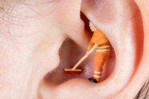 Ohrenschmalz sanft und richtig entfernen