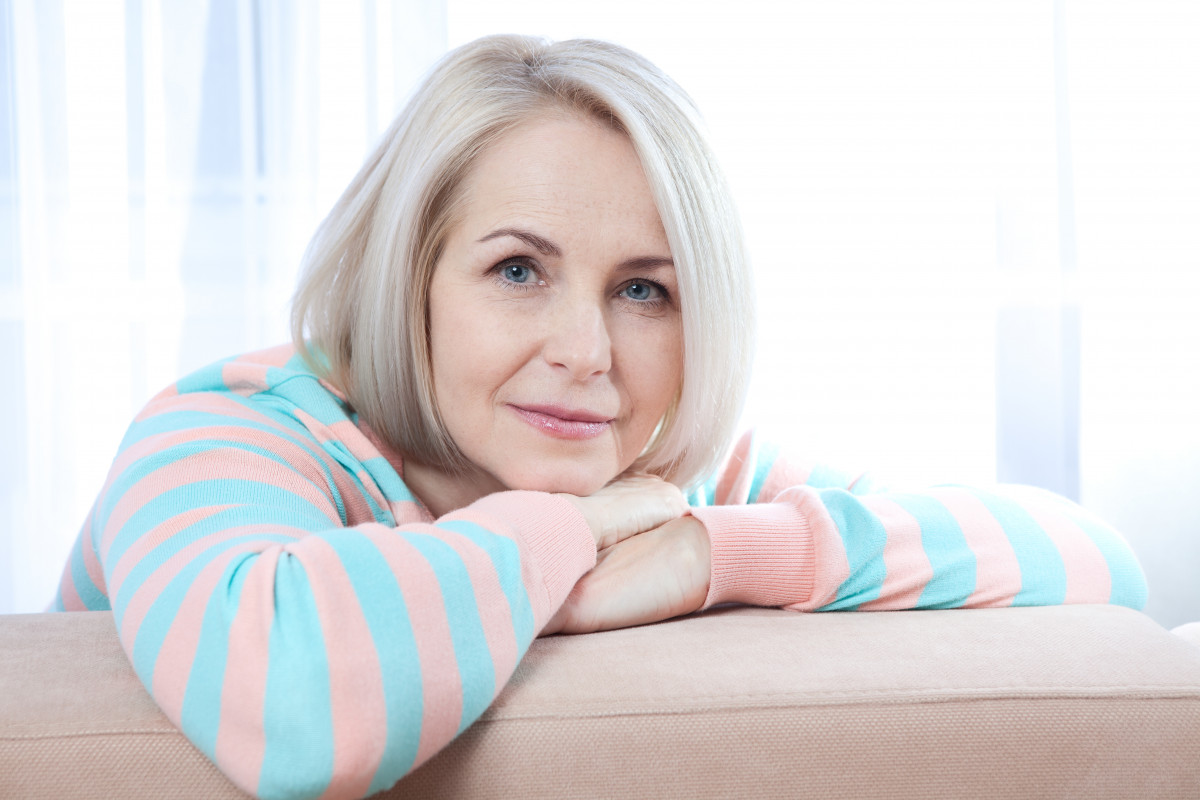 So hilft die Homöopathie durch die Wechseljahrsbeschwerden