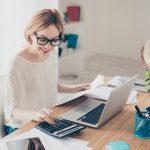 Arbeitsplatz zu Hause einrichten: Fünf Tipps für effektive Heimarbeit