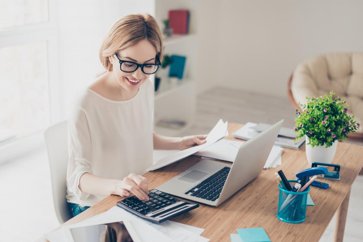Arbeitsplatz zu Hause einrichten: Fünf Tipps für effektive ...