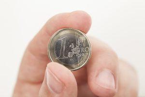 Warum Sie mit 1-Euro-Käufen langfristig nicht sparen
