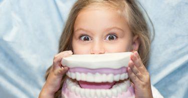 So können Sie Zähneknirschen bei Kindern homöopathisch behandeln