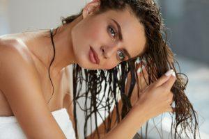 Silikonfreie Haarpflege: So pflegen Sie Ihre Haare wieder gesund