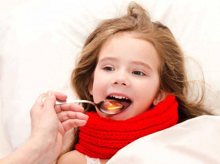 Nutzen Sie natürliche Heilmittel anstelle von Medikamenten für Kinder