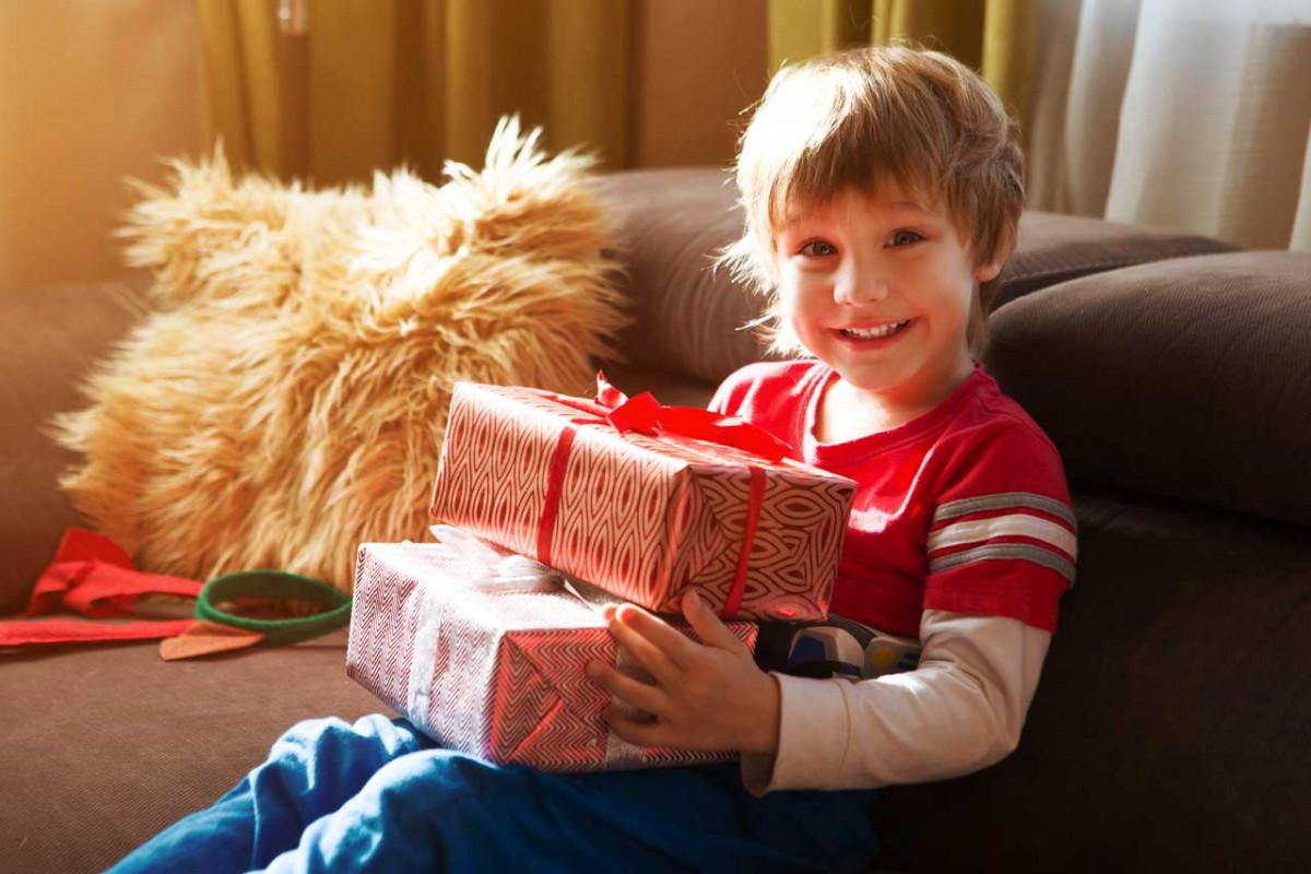 Die Weihnachtsgeschenke.Wie Sie Die Weihnachtsgeschenke Sicher Vor Ihren Kindern Verstecken