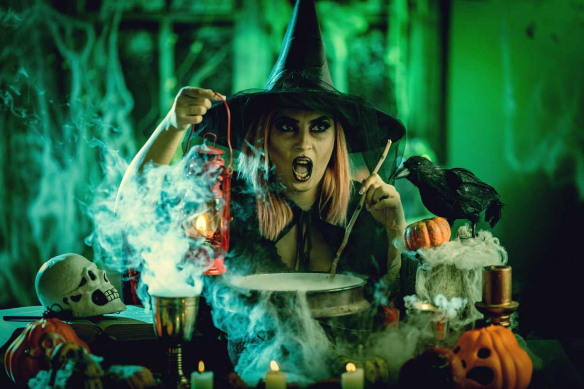 Halloween-Hexen Rezept aus gebratenen Topfenknödeln