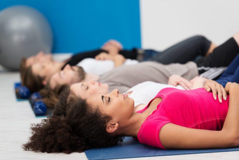 So können Sie Stress mit Progressiver Muskelentspannung gelassen begegnen