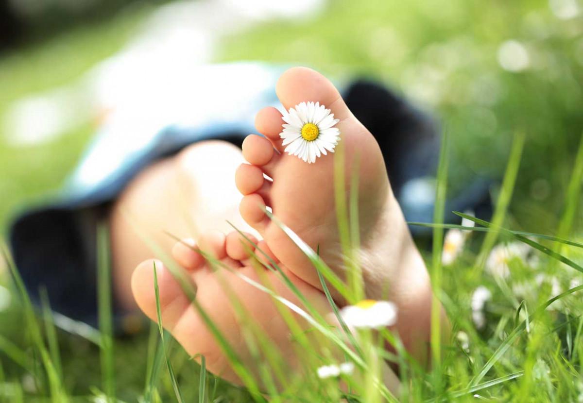 So behanden Sie Fußpilz homöopathisch