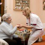 Unterstützung bei der Pflege zu Hause