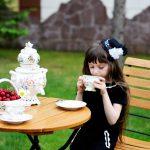Unsichtbare Freunde der Kinder: Wie gehen wir mit Fantasiefreunden um?
