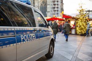 So schützen Sie sich vor Taschendiebstahl auf dem Weihnachtsmarkt