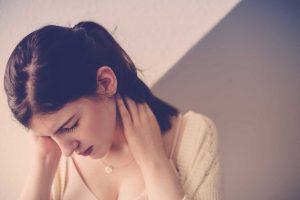 Kopfschmerzen bei Teenagern: Spannungskopfschmerzen und Migräne