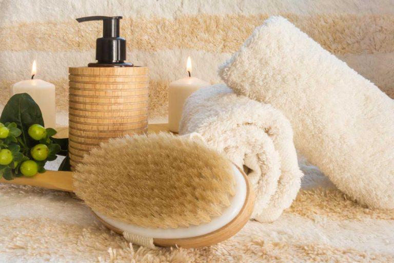 Preiswerte Wellness-Behandlung: moderne Bürstenmassage