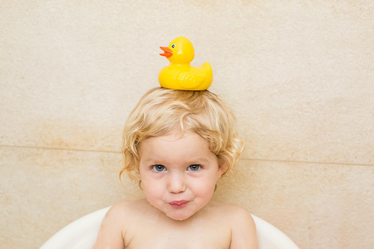 Was können Kleinkinder in der Badewanne spielen?