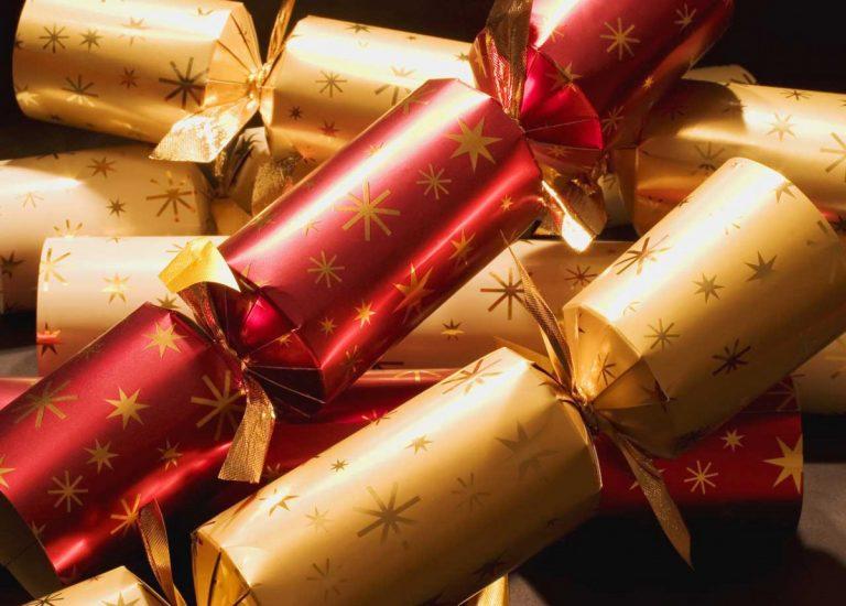Bunte Knallbonbons für Silvester basteln