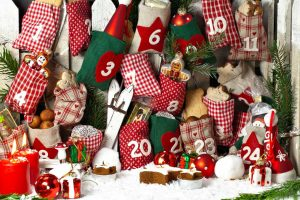 Adventskalender selbst füllen: Originelle Geschenkideen für Kinder