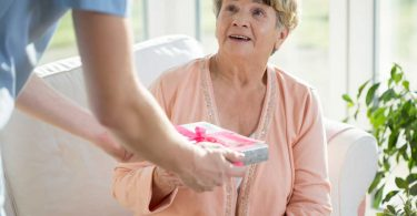 Weihnachtsgeschenke für pflegebedürftige Menschen