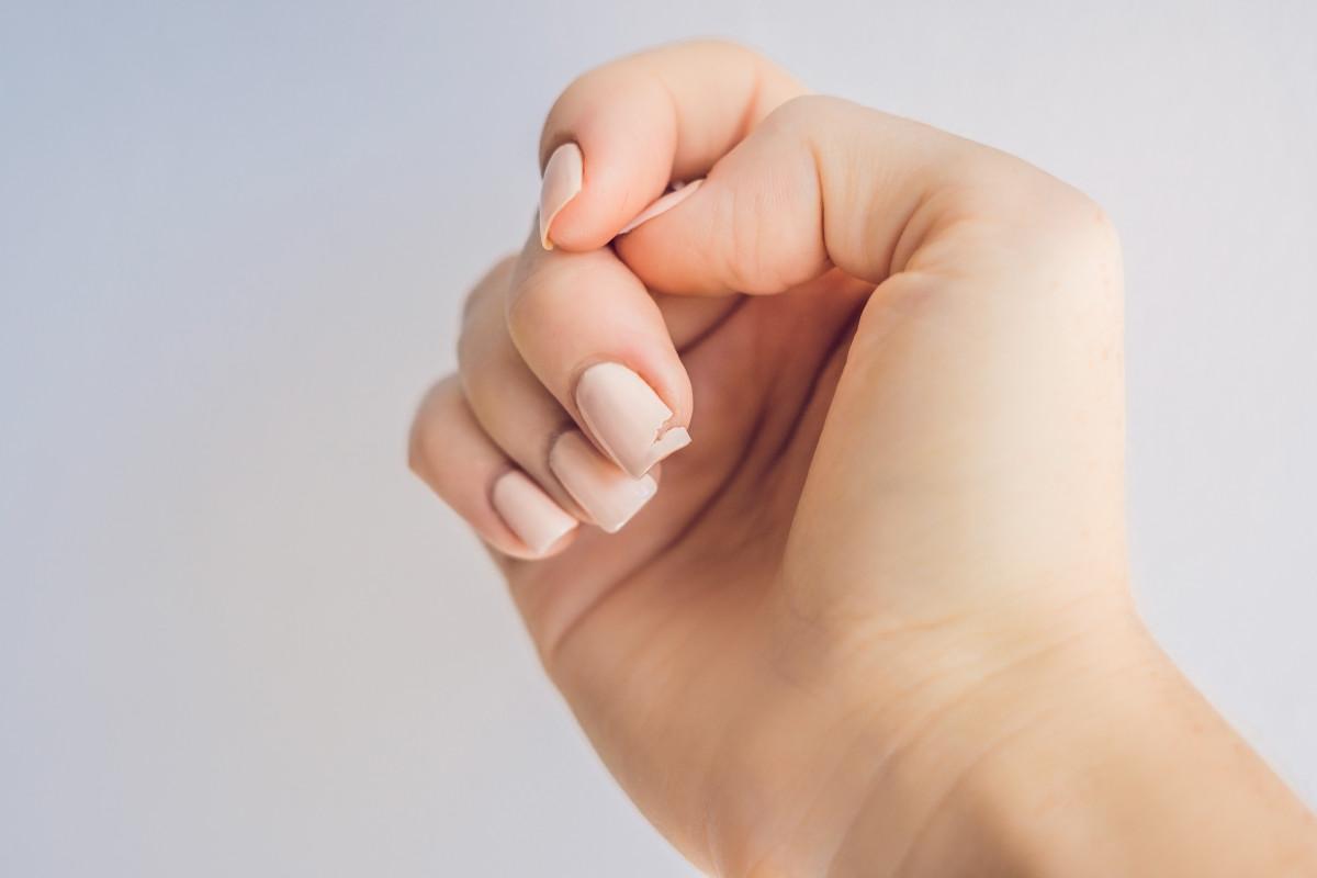 So schützen Sie Ihre Fingernägel im Winter vor dem Abbrechen