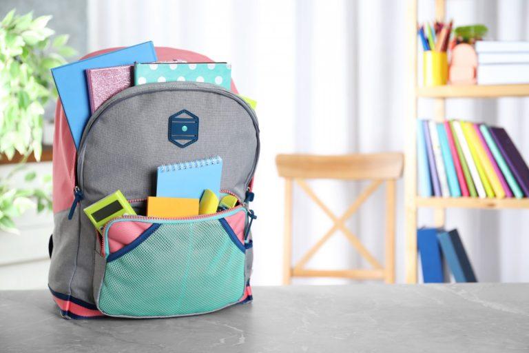 Geeignete Schulranzen finden und richtig packen