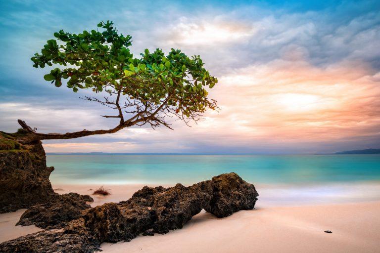 Exotischer Urlaub im Paradies – diese Vorkehrungen sollten Sie treffen