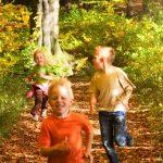 25 flotte Bewegungstipps für gesunde Kinder