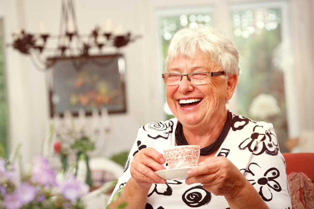 Praktische Hilfsmittel für seniorengerechtes Wohnen