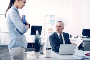 Mitarbeiter anschwärzen: So verhalten Sie sich als Chef