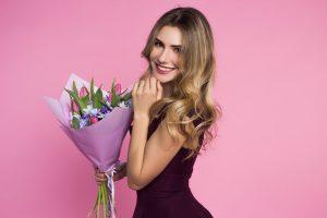 Der Internationale Frauentag: Wie Sie die Damen ehren