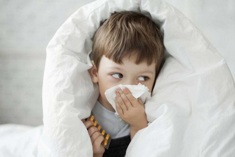 Diese Hausmittel gegen Erkältung helfen Ihrem Kind
