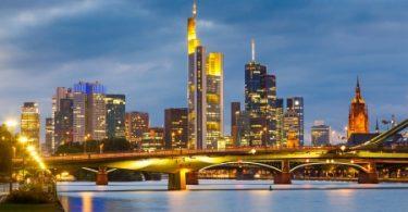 Flexibilität und Lebensqualität durch Treppenlifte auch in Frankfurt