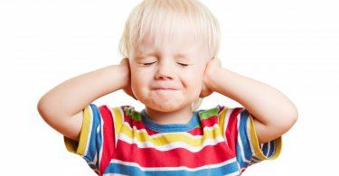 Wie Sie eine Mittelohrentzündung mit Schüßersalzen bei Kindern behandeln