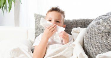 Wie Sie eine Nasennebenhöhlenentzündung bei Kindern mit Schüßlersalzen behandeln