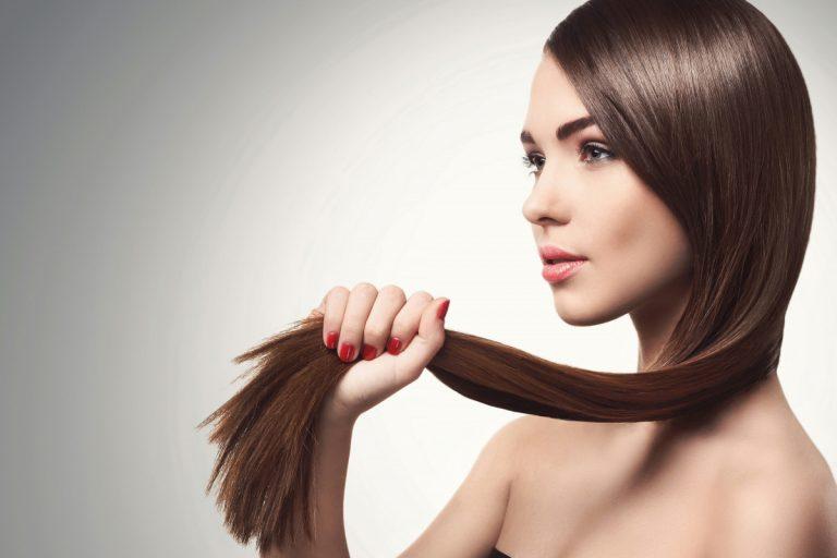 So pflegen Sie Ihre Haare für glattes, glänzendes Haar