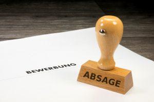 Wie Sie mit Absagen auf Bewerbungen umgehen sollten