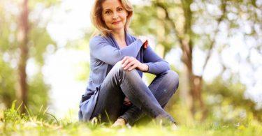 Wie Sie mit homöopathischen Mitteln besser durch die Menopause kommen