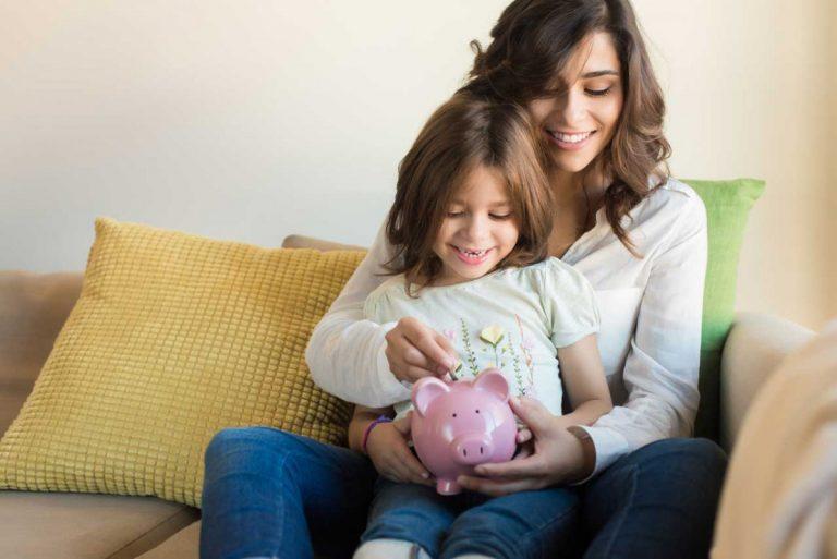 Sparen für das Kind: Welche Möglichkeiten gibt es?