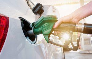 Nutzen Sie diese 5 Tipps zum Benzin sparen