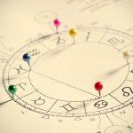 Astrologie: Wie das Sternzeichen bei Entscheidungen helfen kann