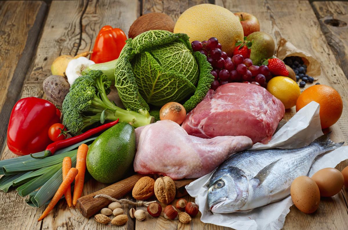 Paleo: Wie Sie mit der Steinzeiternährung gesund abnehmen
