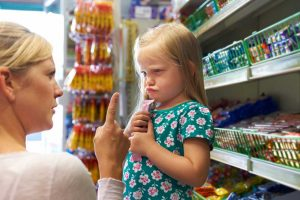 Quengeln im Supermarkt – So bewahren Sie Ruhe