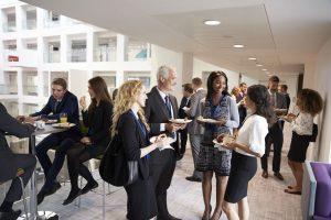 Wie Sie Kontakte bei der Stellensuche effektiv nutzen